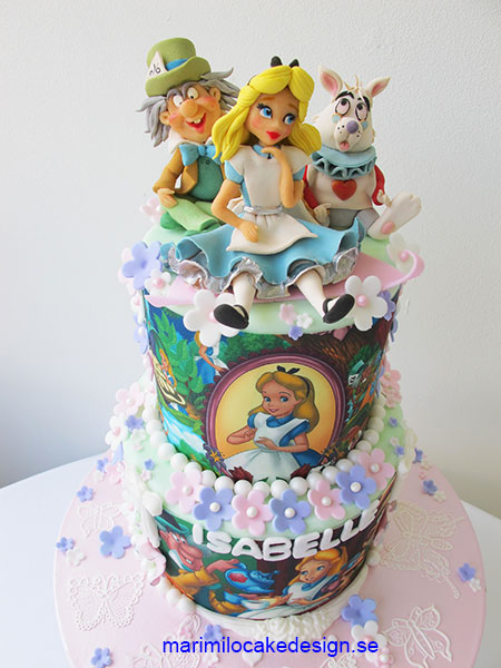 alice-in-the-wonderland-cake